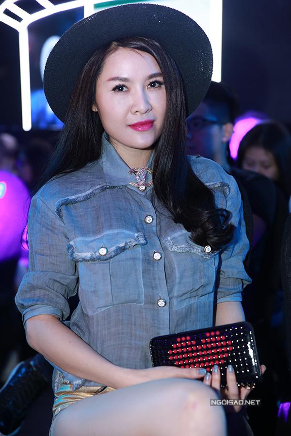 ky-han-mac-hong-quan-lan-dau-cong-khai-song-doi-6