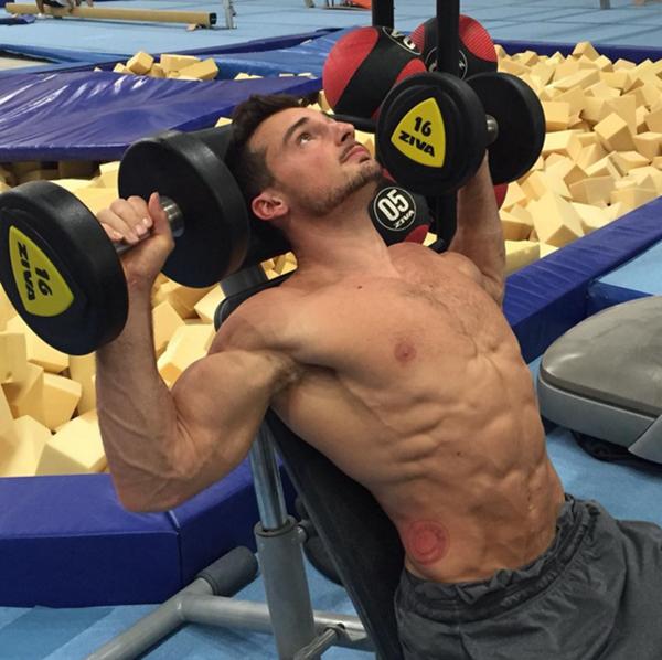 Những bức ảnh tập gym của chàng trai này khi được đăng tải đều thu hút một lượng lớn sự chú ý của
