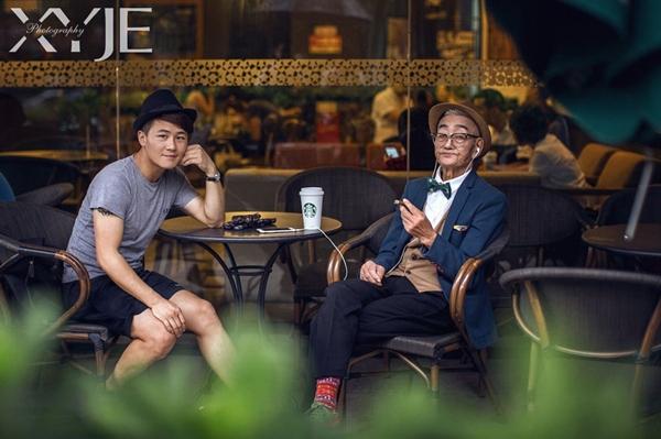 XiaoYeJieXi cho biết, khi thực hiện bộ ảnh, anh chỉ muốn nó phản ánh được đúng mối quan hệ thân thiết giữa anh và người ông. Tác giả cũng nhắn nhủ giới trẻ hay quan tâm hơn với những người ông, bà và tận hưởng các giây phút ấm áp bên họ.