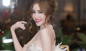 Elly Trần tiết lộ bí quyết giữ dáng đồng hồ cát