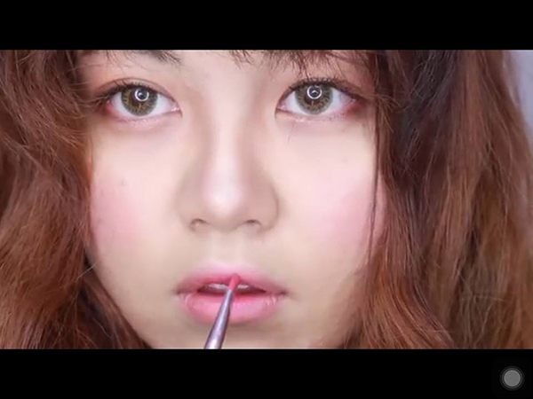 make-up-trong-treo-nhu-hong-seol-trong-cheese-in-the-trap-12