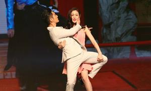 Tề Thịnh - Bồng Bồng tái hiện màn nhảy ngược giới tính
