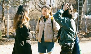 Style đi học ngày lạnh vẫn long lanh của nữ sinh Hàn