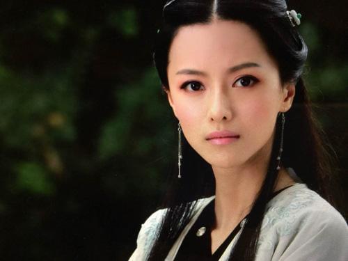 Đóng cặp với Trần Hiểu không phải Trịnh Sảng mà là nữ diễn viên Trương Chỉ Khê. Ngũ thử náo đông kinh bắt đầu lên sóng ngày 17/2 trên đài An Huy.