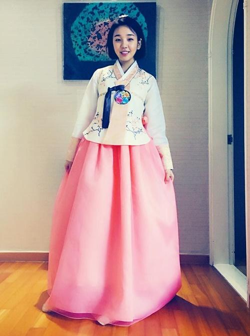 sao-han-9-2-si-won-nhan-nho-khi-bi-om-hon-jong-hyun-gap-nho-dau-nam-1