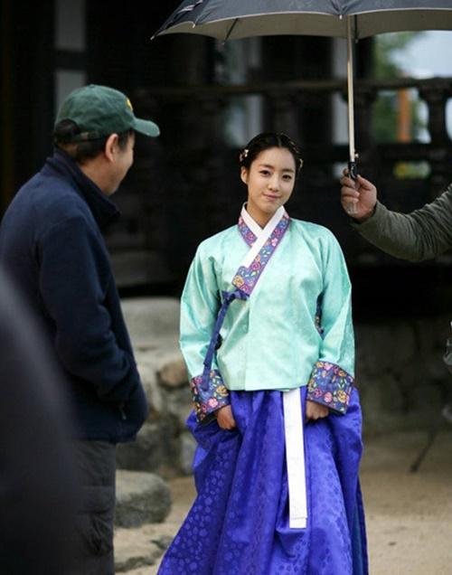 sao-han-9-2-si-won-nhan-nho-khi-bi-om-hon-jong-hyun-gap-nho-dau-nam