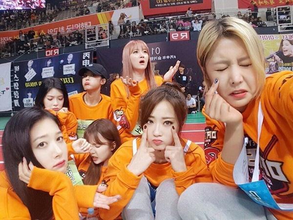 sao-han-10-2-soo-young-u-ru-don-tuoi-moi-ji-chang-wook-khoe-co-bap-6