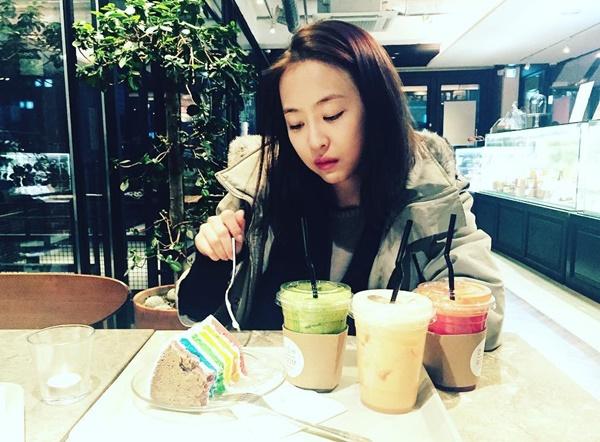 sao-han-10-2-soo-young-u-ru-don-tuoi-moi-ji-chang-wook-khoe-co-bap-5
