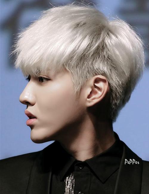 8-my-nam-trung-quoc-co-goc-nhin-nghieng-hut-hon-fan-nu-6