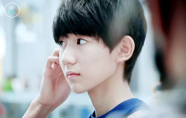 8-my-nam-trung-quoc-co-goc-nhin-nghieng-hut-hon-fan-nu-9