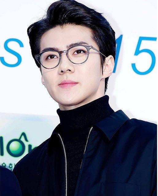 irene-lo-chan-ngan-seol-hyun-yura-dien-vay-ho-giua-troi-lanh-8
