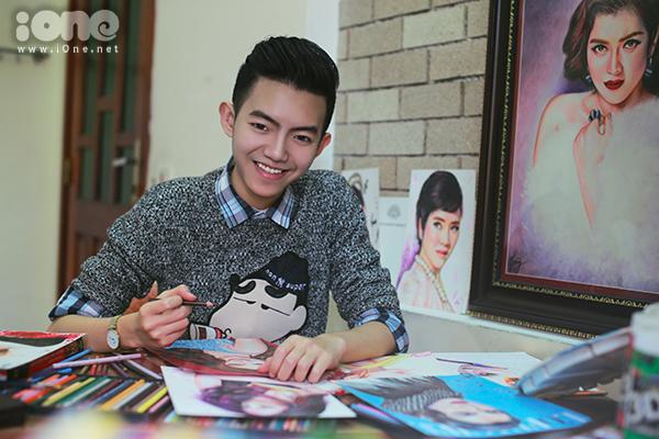 Tuy dành nhiều thời gian cho việc vẽ tranh nhưng teen boy này không lơ là việc học. Anh chàng vừa đạt thành tích HSG môn Văn. Hoàng dự định sau này sẽ thi vào trường Đại học Hồng Bàng khoa Thiết kế thời trang để có thể theo đuổi công việc thiết kế một cách nghiêm túc.