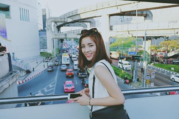 sao-viet-21-2-quynh-anh-shyn-an-hoai-khong-beo-hang-tra-met-lu-vi-shopping-1