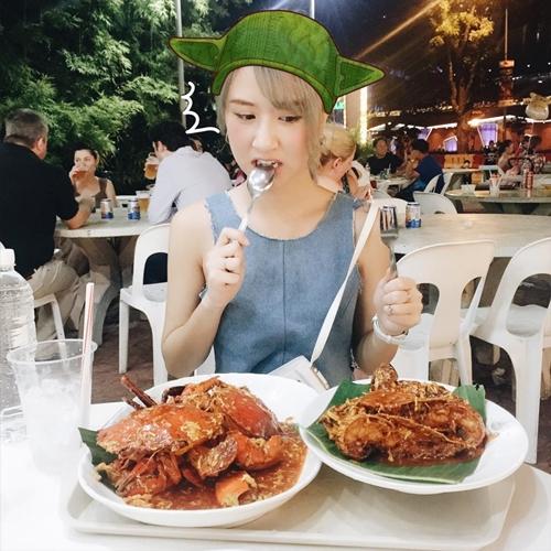 sao-viet-21-2-quynh-anh-shyn-an-hoai-khong-beo-hang-tra-met-lu-vi-shopping-7