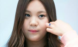 Sao nữ Hàn tự ti giấu mình vì bị chê xấu nhất lịch sử Kpop