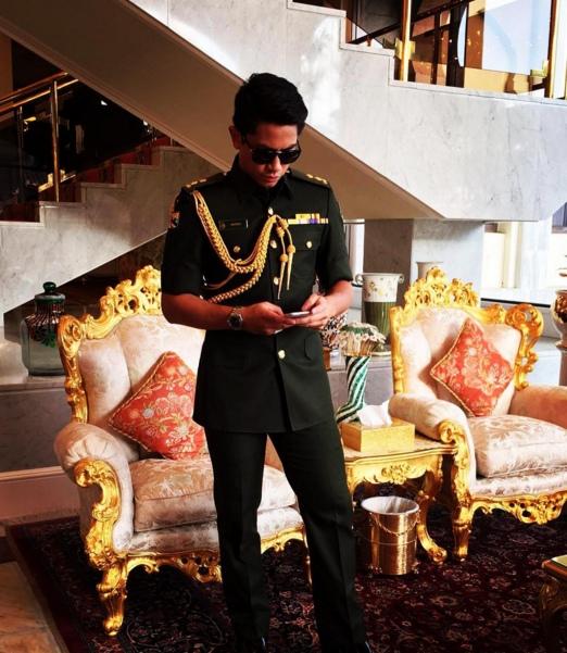 Abdul Mateen là chàng hoàng tử nổi tiếng của đất nước Brunei khi sở hữu