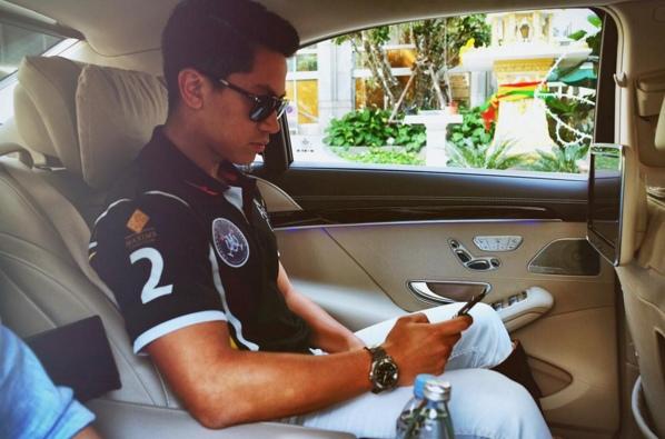 Instagram của Mateen thu hút hơn 180 nghìn người theo dõi, khiến anh chàng nổi tiếng không kém các ngôi sao ở Brunei.
