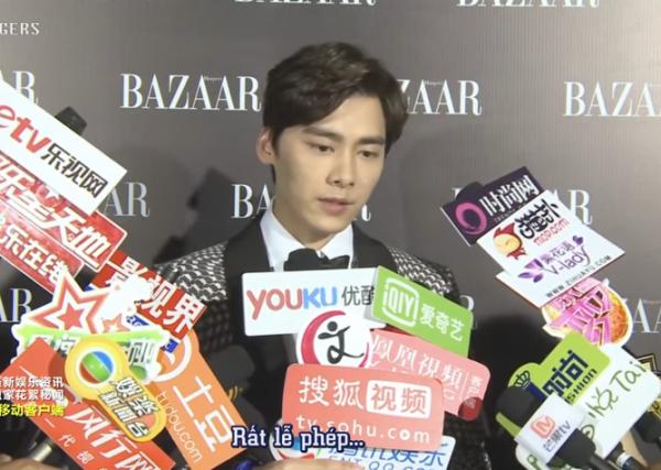 Lý Dịch Phong không chỉ khen ngợi các thành viên mà còn tranh thủ quảng bá cho ca khúc của Ngày hè còn lại của TFBoys.