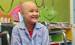 Cô bé 10 tuổi mắc bệnh ung thư thỏa ước mơ được làm tiếp viên hàng không