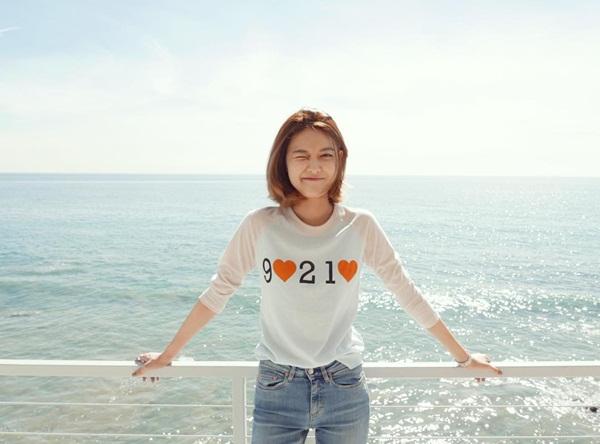 sao-han-29-2-soo-young-khoe-xi-tai-tre-trung-seol-hyun-trang-diem-lung-linh-6