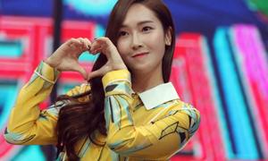 Jessica chung công ty với Triệu Lệ Dĩnh, tung album đối đầu SNSD