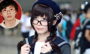 Thầy giáo cosplay giả gái xinh khó tin