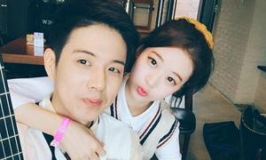 Cặp tình nhân chơi nhạc đẹp đôi khiến netizen Hàn phát hờn