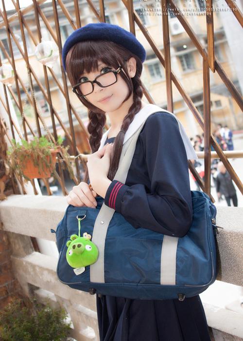 Một cosplayer có nickname Crome Moe bỗng thu hút gần 20.000 người theo dõi   trên mạng xã hội sau khi gây chú ý với loạt ảnh giả gái ấn tượng được trang Sina   đăng tải.