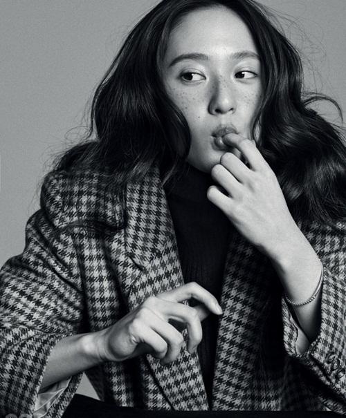 sao-han-2-3-na-eun-khoe-mat-xinh-dang-dep-krystal-makeup-tan-nhang-6