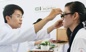 Cải thiện và ngăn ngừa tật khúc xạ cho teen
