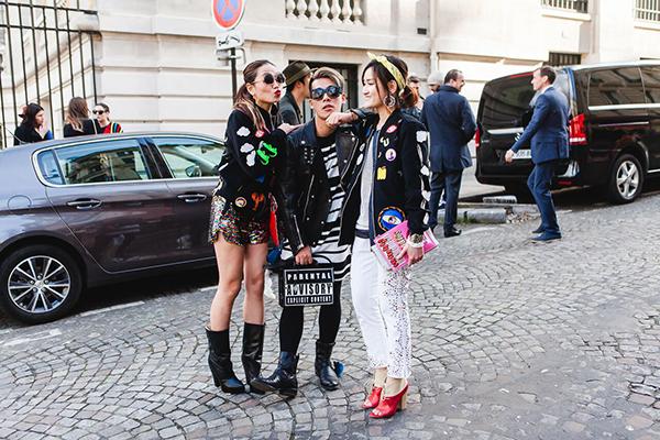 stylist-viet-mang-80kg-quan-ao-du-paris-fashion-week-1