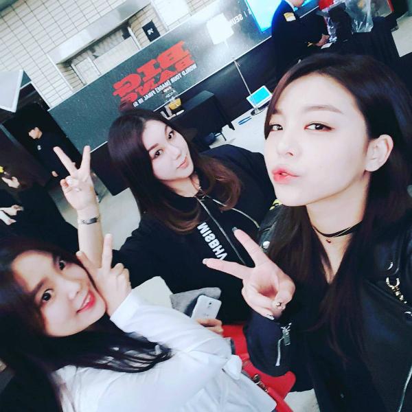 sao-han-7-3-hyo-min-than-mat-ben-trai-dep-sulli-khoe-da-min-mang-8
