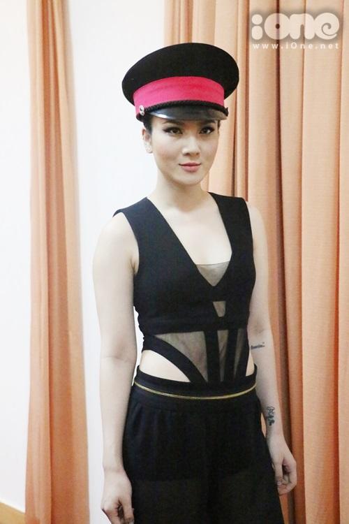 thai-ha-maya-nhang-nhit-selfie-huong-tram-het-suc-banh-beo-10