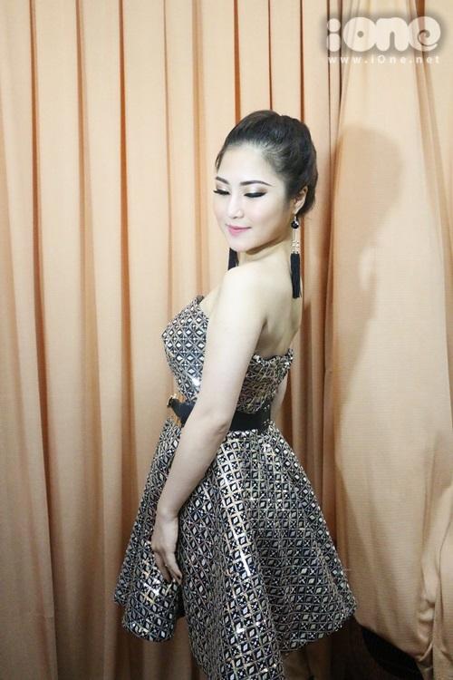 thai-ha-maya-nhang-nhit-selfie-huong-tram-het-suc-banh-beo-4
