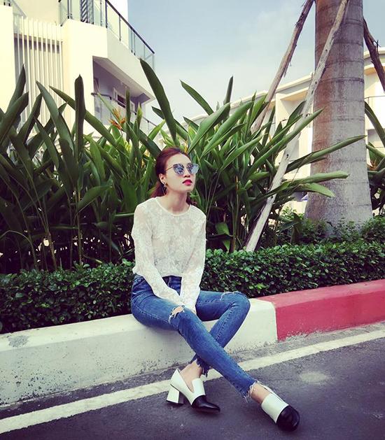 du-kieu-street-style-mat-me-tuan-dau-he-cua-sao-hot-girl-viet