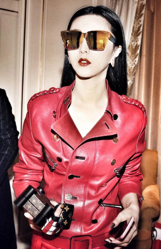Góp mặt trong show diễn của Louis Vuitton tại Paris Fashion Week mới đây, Phạm Băng Băng là một trong những khách mời nổi bật nhất với diện mạo quá ấn tượng.
