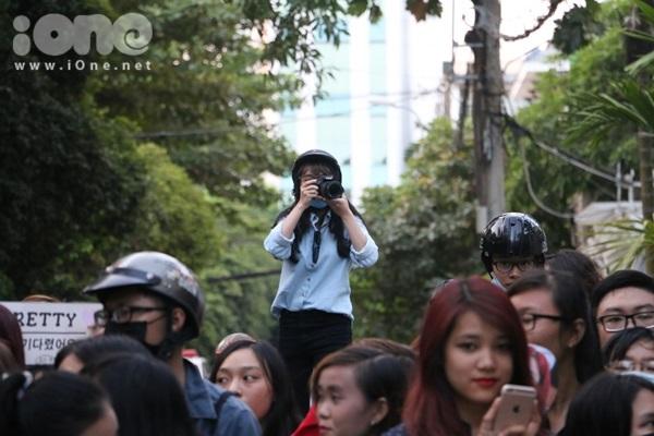 fan-bam-duoi-suot-3-tieng-ho-het-khong-ngung-khi-gap-t-ara-5
