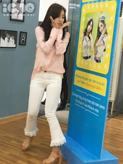 fan-bam-duoi-suot-3-tieng-ho-het-khong-ngung-khi-gap-t-ara