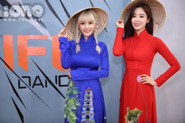 """Hôm nay (12/3), các cô gái của nhóm nhạc đình đám T-ara đã đáp chuyến bay đến sân bay Tân Sơn Nhất để tham gia chuỗi sự kiện giao lưu với người hâm mộ - """"T-ara in Saigon""""."""