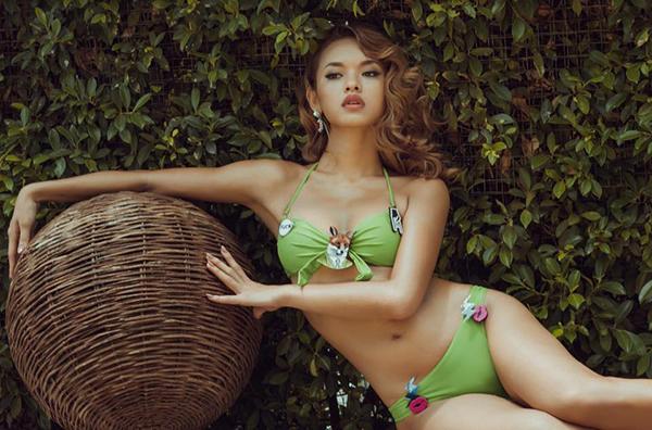 quynh-mai-next-top-khoe-dang-sieu-vong-3-voi-bikini-mau-me-5