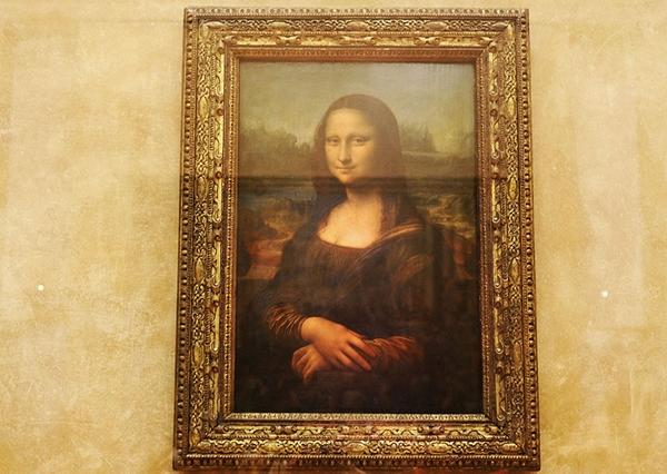 Bức tranh bất hủ về Mona Lisa ở bảo tàng Louvre, Paris, Pháp là nơi các tín đồ hội họa mơ ước.