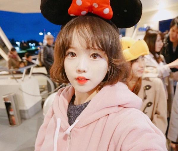 Ha Eun Hye, 22 tuổi, là cosplayer khá có tiếng ở Hàn Quốc, sở hữu lượng fan hơn   230.000 người trên Facebook. Eun Hye nhận mình là một otaku, say mê phim hoạt   hình và truyện tranh Nhật Bản.