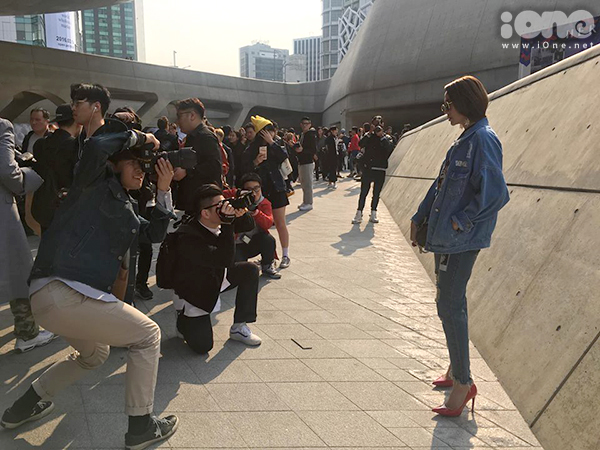 minh-hang-duoc-paparazzi-san-don-o-seoul-fashion-week-1