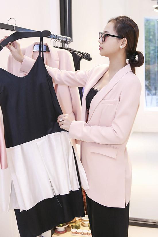 yen-trang-yen-nhi-dien-do-la-di-mua-sam-du-fashion-show-9
