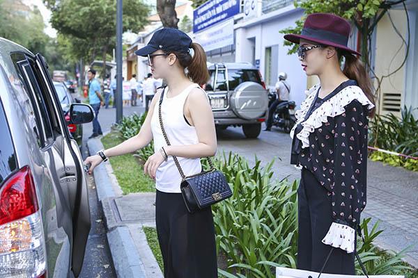 yen-trang-yen-nhi-dien-do-la-di-mua-sam-du-fashion-show-4
