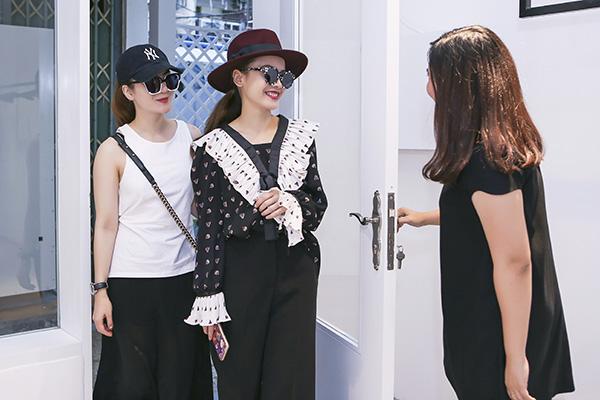 yen-trang-yen-nhi-dien-do-la-di-mua-sam-du-fashion-show