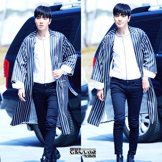 seo-hyun-dien-vay-nhau-so-yeon-tu-dim-dang-o-seoul-fashion-week-8