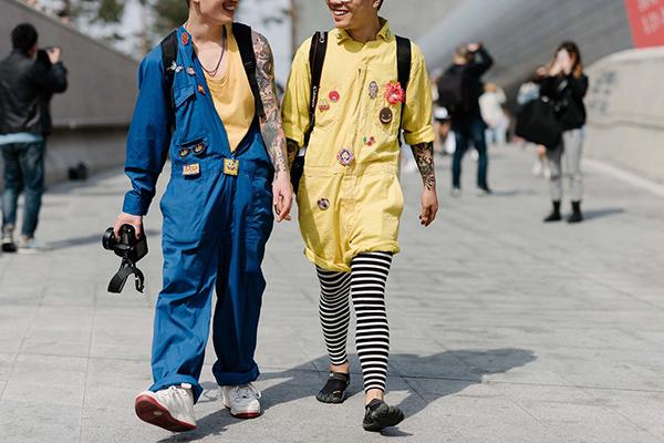 street-style-co-doi-co-cap-hut-mat-o-tuan-thoi-trang-seoul