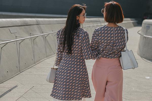 street-style-co-doi-co-cap-hut-mat-o-tuan-thoi-trang-seoul-9