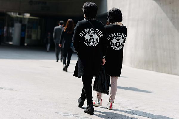 street-style-co-doi-co-cap-hut-mat-o-tuan-thoi-trang-seoul-6